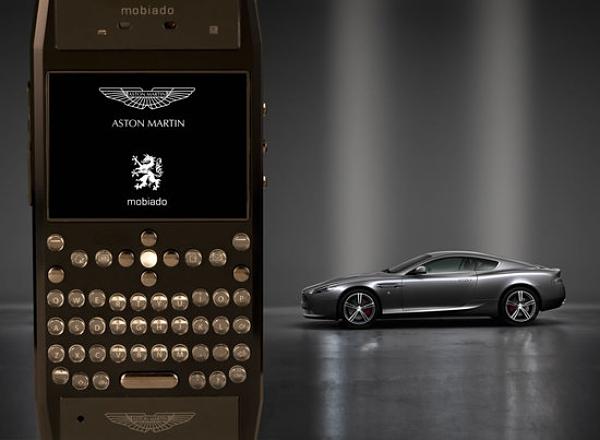 Aston Martin Grand 350 móvil