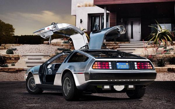El Delorean de Regreso al futuro, como coche eléctrico para 2013