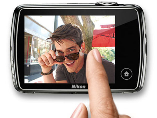 Nikon Coolpix S01-2