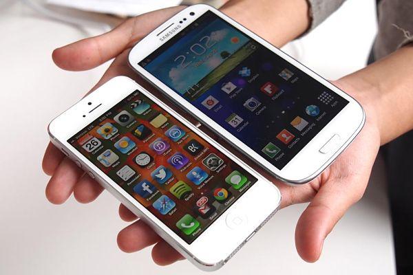 iPhone-5-Galaxy-S3